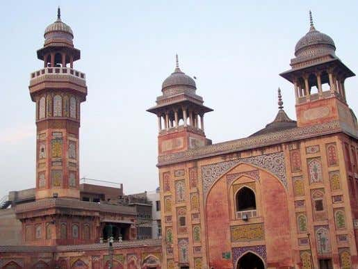 HOLY PLACES (MOSQUES) Wazir Khan Mosque The Wazir Khan Mosque in Lahore, Pakistan, is famous for