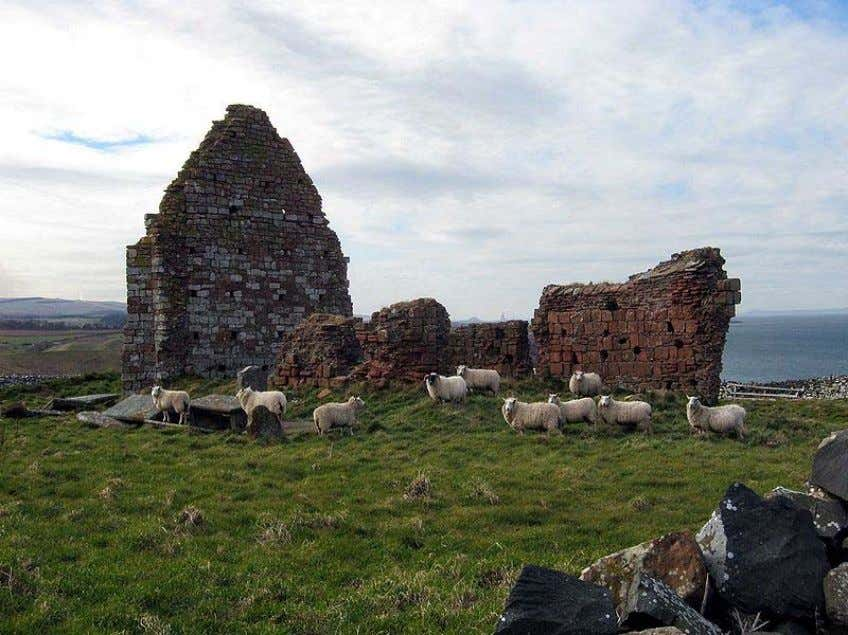 St. Helen's Chapel at Siccar Point has walls faced in Old Red Sandstone, with greywacke used