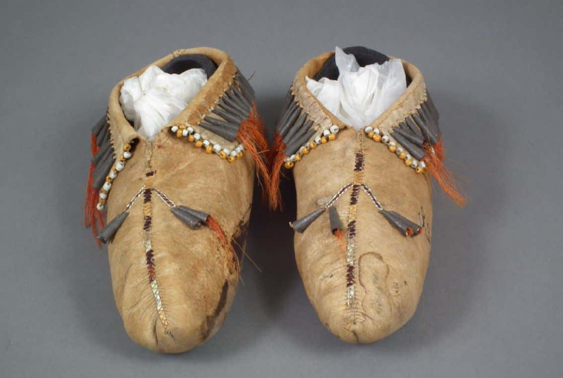 Eastern Great Lakes Native American Moccasins Collected by British O ffi cer Colonel Frederick Thomas