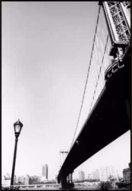 O lagarto – Bonfim, 2000. Ponte do Brooklyn – Nova York, 2004. Pintor desconhecido – Père
