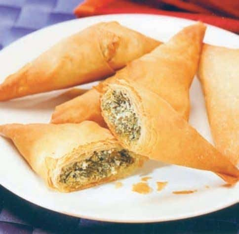 examples are samosas, spring rolls, marinated fruit and vegetable kebabs, melon segments, vol- au-vents and veg.
