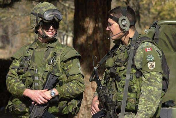 understanding of Canada? What might that understanding be? Figure 2-26 ▲ Canadian soldiers from the NATO-led
