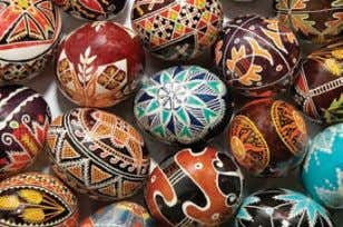 and other countries view these expressions differently? Figure 2-8 Creating and displaying decorated Easter eggs, or