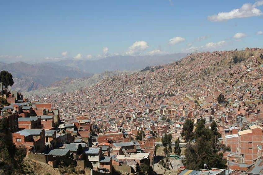 Figure 1: Densely populated housing in upper La Paz (16.5°S, 68.15°W) sprawling onto the 4000m Altiplano