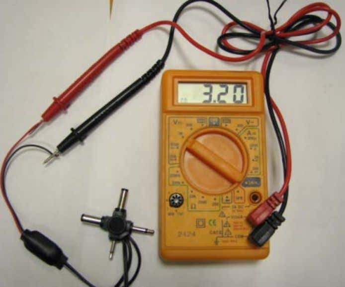 20. Measuring the adapter voltage - correct polarity In case the polarity is negative, as shown