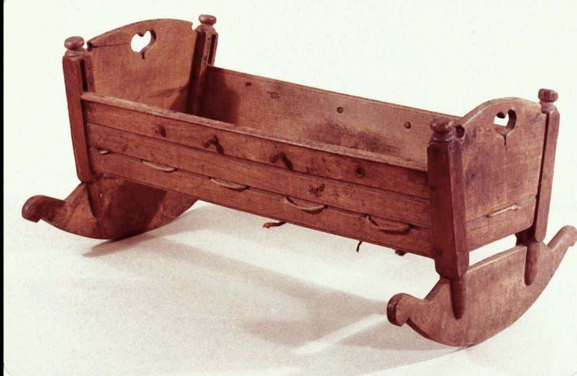 American Walnut Cradle from Virginia or North Carolina c. 1730 - 1790 (Colonial Williamsburg Foundation)