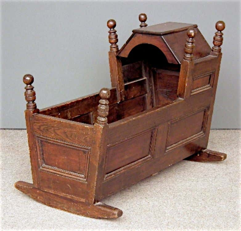 English Cradle 18th Century (Canterbury Auction Gallery)