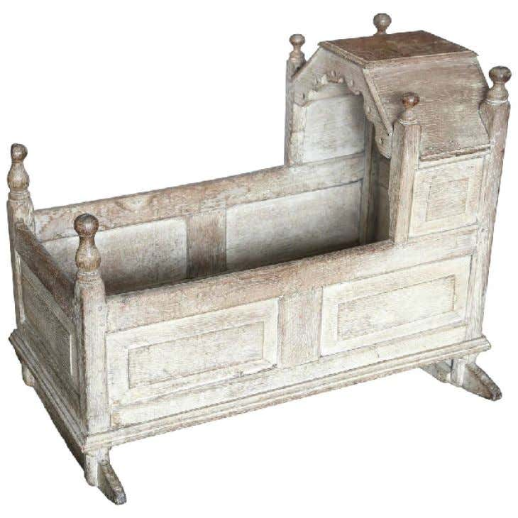 English Painted Oak Cradle c. 1640 (Liz Spradling Antiques)