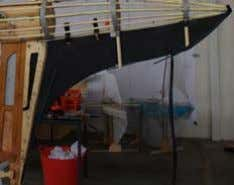 keep the edges in place. Flexible keel attched to wood keel Vertical tubes that hold flexible