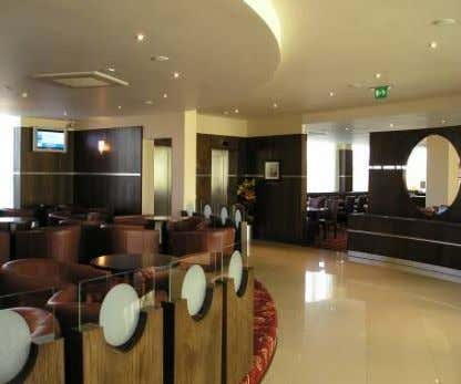 STANDARDS SUMMARY OF BRA NEW BUILD AND CONVERSION HOTELS Lounge Dining Area Board Room 7. BAR