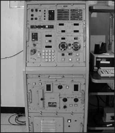 while another CCA controls the MODE CONTROL section. Figure 3-1. Local control console (Unit 1) 3-2