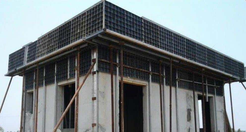 Fig.4: Plastic Formwork for Concrete Floor Concrete Fig.5: Plastic Formwork for Slab Construction Plastic Formworks for