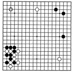 his marked stone and the black thickness on the bottom left. Theme diagram White to play