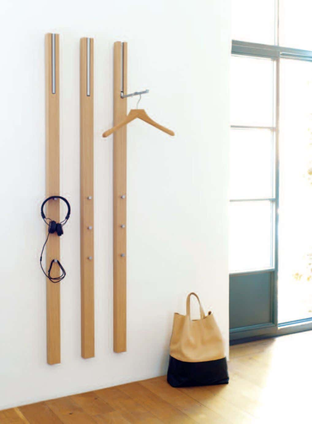 146 _GARDEROBEN / COAT RACKS
