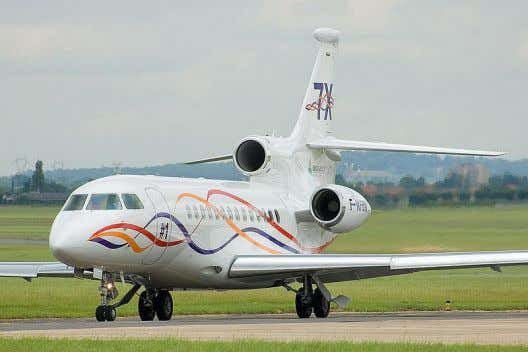 , First airliner with Digital fly-by-wire controls (1984) A Dassault Falcon 7X , The first business