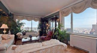 sq ft. $8,750,000.WEB: A0017411. Eva Mohr, 212.606.7736 303 E 57TH ST: Panoramic views from every room.