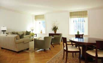 Web #1205560. B.Evans-Butler 452-4391/C.Kurtin 452-4406 Grand 1BR at Plaza Private Residences. Perfect location