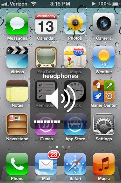 If headphones are not connected to the audio output port, the phone displays the volume