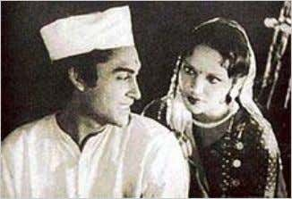 Devika Rani and Ashok Kumar in Achhut Kanya (1936).