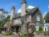 Known for warm friendly hospitality, a relaxed country house atmosphere, and excellent food, Polraen Country