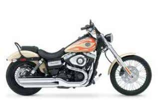 FXDC Super Glide® Custom Lots of Chrome, Plenty of Power FXDWG Wide Glide® Long and Skinny