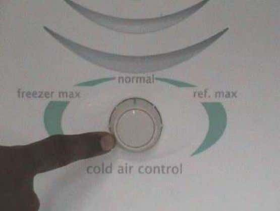 COOLING CONTROLS Cold Air Control Fitted in Freezer Temperature Control fitted in Refrigerator compartment