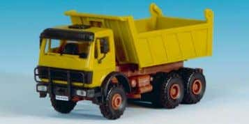 − MAN with crane and trailer -Baumann- 24 x 3,2 x 3,8 cm B-14053 MB 3achs