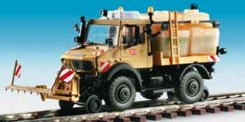 ROBEL maintenance vehicle with crane 13,4 x 3,6 x 4,8 cm B-16303 Zweiwege UNIMOG mit Sprüh-