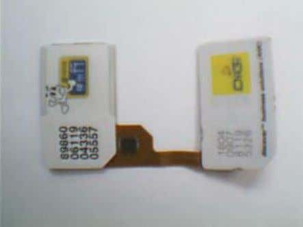Installation Guide for Universal Dual SIM Adapter Please ensure all contact points are clean. Fix 2