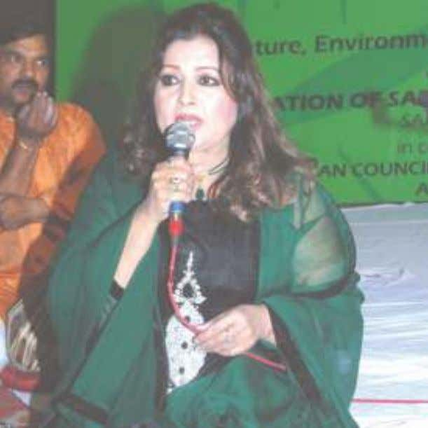 Iqbal Bahoo, from Pakistan, singing Sufi songs and Heer. Film Actress from Pakistan, Nisho jee, reading
