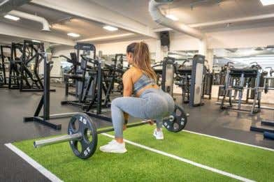 EXERCISE LIBRARY: WEEK 1 DAY 3 Pause Leg Extension Machine Barbell Sumo Deadlifts Leg press –