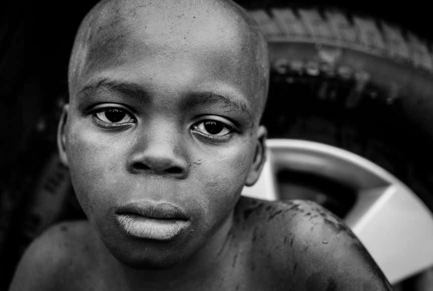 and lens combi- nation, near the Lua- chimo river - Saurimo, Angola. DEVELOPING A DOCUMENTARY PHOTOGRAPHY