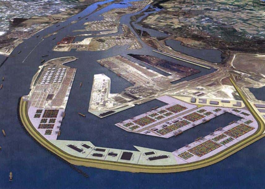 Figure 2.2: Big Container terminal - Maasvlakte 2 extension In addition to providing berthing facilities,