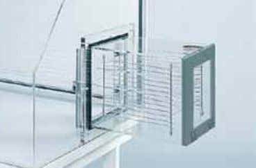 of the air lock with nitrogen. Right mounting is standard. Pass-Through Air Lock Chrome-plated racks accommodate