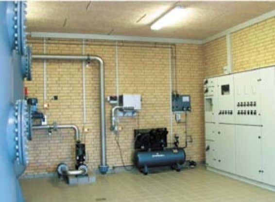 Complete water treatment solution comprising a pressure filter and technical equipment for oxidation and backwashing.