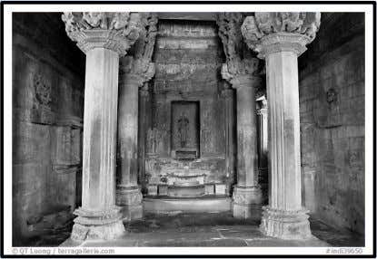 • • • • GARBHRIHA OF CHITRAGUPTA TEMPLE, KANCHIPURAM GARBHAGRIHA The garbhagriha is usually on the