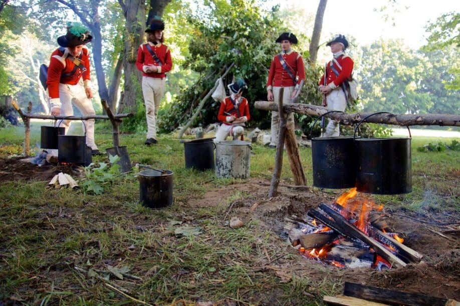 Preparing a meal for the light infantry company, 40 t h Regiment, 1777. (Photo courtesy