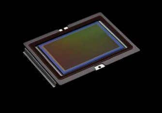reduce the effects of noise and expand dynamic range. CMOS SENSOR CMOS and CCD chips are