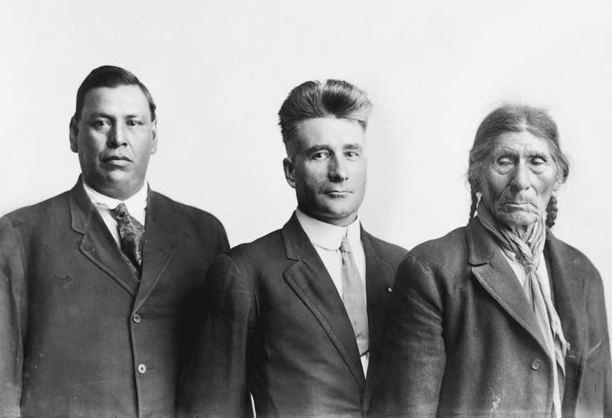 118 Surviving Wounded Knee Figure 5.3 From left, Charles Knife Chief, Melvin R. Gilmore, and White