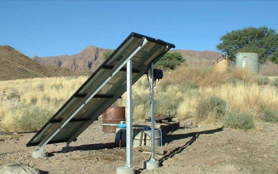 Photo: Grundfos A/S OXFAM Technical Briefs – Solar Powered Borehole Pumps 4