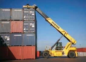 and unrestricted stacking capabilities. Container Handling Intermodal Handling n Class leading lifting speeds for