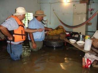as citizens in the floods of the state of Tabasco Mexico. Cedro No. 318 Colonia Lagos