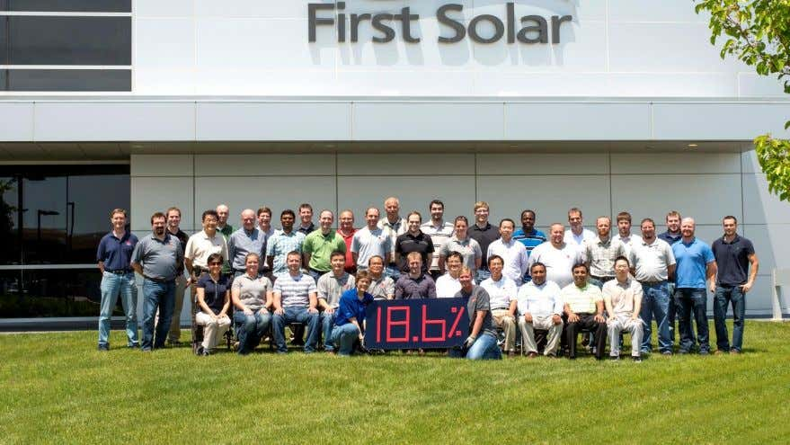 Efficiency at 18.6% © Copyright 2015, First Solar, Inc. In June 2015, FS CdTe modules set