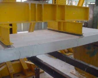 of Constructional Steel Research 63 (2007) 791–803 797 (a) Shear span L s = 320 mm.