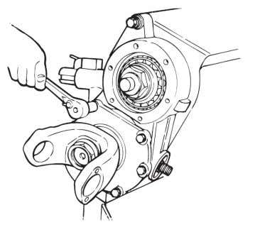 to the input shaft to differential cage. Figure 3.21. 18 Figure 3.21 6.Rotate the differential in