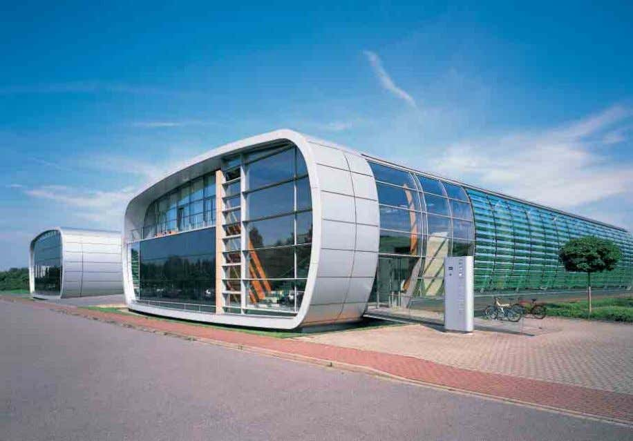 F F W W 5 5 0 0 + + Warmfassade mit PV-Isolierglas-Modulen Non-ventilated façade with