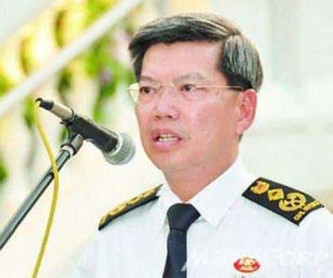 suspended amid CPIB probe Posted: 25 January 2012 0747 hrs Mr Peter Lim (Photo: TODAY) Mr