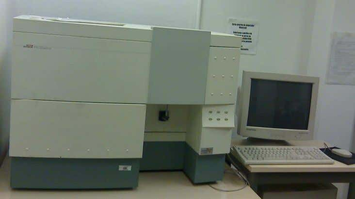 ALTRA Cell Sorter (Figura 2.7), ambos da Beckman Coulter. Figura 2.5. FACS Calibur Bench-top Analyzer –