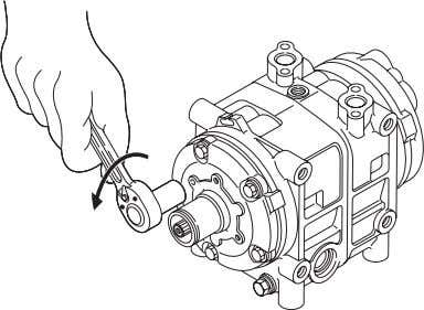8- Service procedures - Cylinder head Tap lightly Remover 597035-0500 Front cylinder head Suction valve Gasket