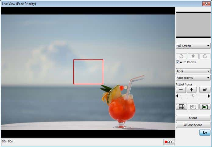 "sub-tab. Note that Auto Rotate and Adjust Focus controls in the ""Live View"" can not be"